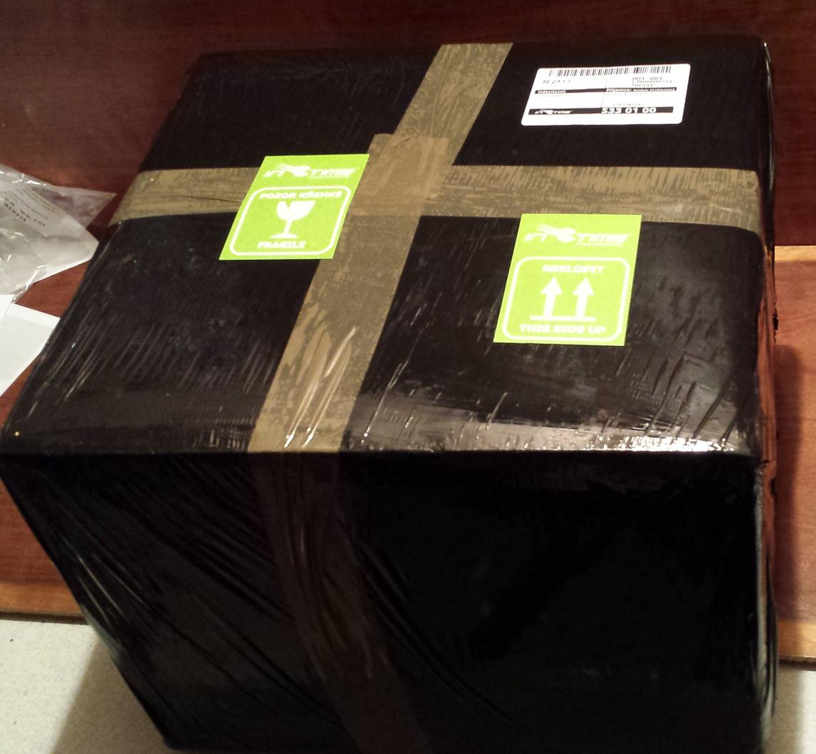 Dokonené balení, přidání přepravních a výstražných štítků